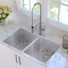 Kraus 33 X 19 Double Basin Undermount Kitchen Sink With Drain Embly