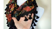 Tutorial: Super Tassled Scarf, no sewing required