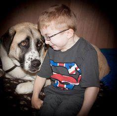 #dogs #kids Haatchi and Owen. Photo credit: Colleen Drummond