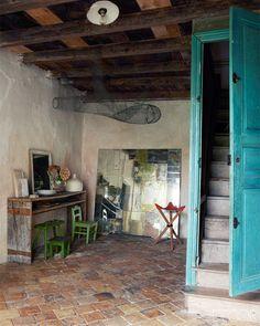 Keltainen talo rannalla: Persoonallisia koteja ja sisustusideoita