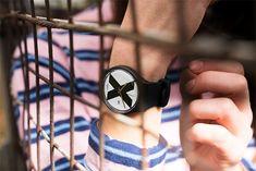 Relojes Swatch para la temporada primavera verano 2018: The X-Vive. Tres relojes unisex en colores negro, rojo y morado y dos cronógrafos negros con las esferas ilustradas con la letra X