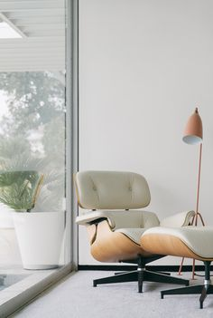 Order your White Eames Lounge Chair replica from Manhattan Home Design. A mid-century modern design classic, original design by Charles and Ray Eames. Cereal Magazine, Design Furniture, Home Furniture, Modern Furniture, Plywood Furniture, Lounge Chair Design, Eames Chairs, Lounge Chairs, Room Chairs