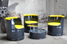 -Sitzgruppe aus 200 l Neu Fässer - Fass - Pulverbeschichtung in Farbe Ihrer Wahl - Kunstleder - nach Wahl - Tischplatte - nach Wahl 70 cm Durchmesser _auch mit ESG-Sicherheitsglas...