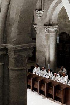 John Pawson - Archabbey of Pannonhalma Benedictine Benedictine Monks, San Rafael, Sacred Architecture, Architecture Design, Modern Church, John Pawson, Medieval World, Roman Catholic, Budapest
