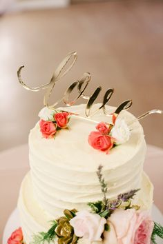 Cake with gold love