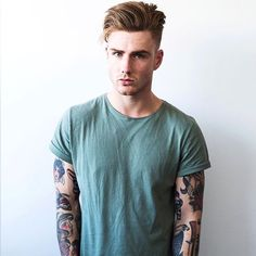 TE ENCONTRÉ Shophia, a girl of 15 years old. She, living from one … # Werewolf # amreading # books # wattpad Popular Haircuts, Haircuts For Men, Hair And Beard Styles, Curly Hair Styles, Thomas Davenport, Tumblr Boys, Trendy Hairstyles, Tattoos For Guys, Sexy Men