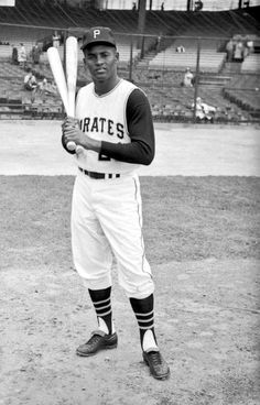 Mlb Pirates, Pittsburgh Pirates Baseball, Pittsburgh Sports, Roberto Clemente, Baseball League, Sports Baseball, Baseball Stuff, Sports Teams, Mlb Players