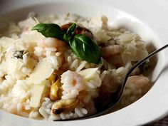 Äyriäisrisotto Risotto, Potato Salad, Nom Nom, Healthy Recipes, Healthy Food, Food And Drink, Potatoes, Cooking, Koti
