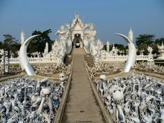 The White Temple 'Wat Rong Khun' (Thailand)