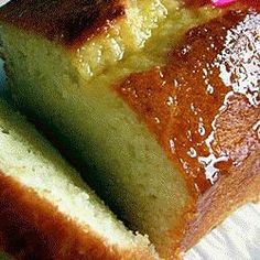 The Best Yogurt Cake Recipe From Baking From My Home To Yours By Dorie Greenspan (Cream Puff In Venice) Veggie Recipes, Sweet Recipes, Cake Recipes, Cooking Recipes, Gateau Cake, Yogurt Cake, Caramel Apples, Coco, Sweet Tooth
