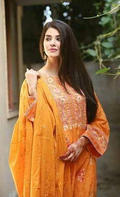 Pakistani Designer Suits, Pakistani Models, Pakistani Actress, Pakistani Dresses, Pakistani Fashion Casual, Aiman Khan, Girls Dpz, Salwar Kameez, Party Wear
