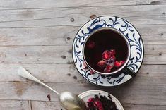 Detoxifying Tea Blends For Healthy Skin, Digestion & Energy