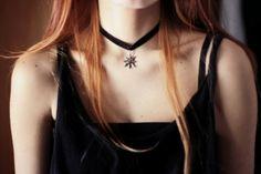 chocker necklaces