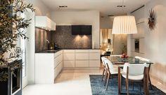 Apartamento Decorado Em Branco, Preto, Marrom E Lindo