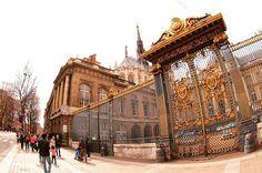 Palais de Justice de Paris...a massive home of French legislative power😱 #paris #loveatfirstsight #loveparis #paristrip #holiday #honeymoon #travel #trip #travelgram #travelphotography #amazing #imposing #wonderfulplaces #beautifuldestinations #beautifulplaces #luxurytravel #france #lovers #myparis #loveparis #palace by bryankhailing. palace #france #myparis #luxurytravel #wonderfulplaces #amazing #honeymoon #loveparis #lovers #paris #travelphotography #beautifulplaces #trip #holiday…