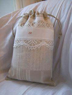 POCHONS.  Linen and lace, drawstring bag