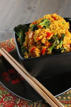 Curried Quinoa - A curried quinoa dish that will cure your Indian food cravings, while keeping your diet in check.