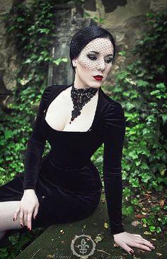 opheliaanachronism:   gothicrealm: Riwaa Nerona