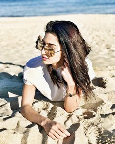 Beauty by the bay getting her dose of vitamin sea ! Stylish Dp, Stylish Girl Pic, Prettiest Actresses, Beautiful Actresses, Cute Celebrities, Celebs, Erica Fernandes, Teen Actresses, Indian Actresses