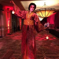 Our lovely geisha on stilts will tower above guests and pose for one-of-a-kind photos to remember the event! Houston stilt walkers and performers, J&D Entertainment www.jdentertain.com