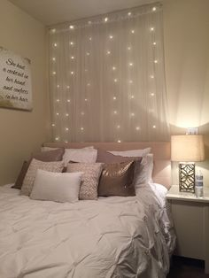 City living | blog post | apartment bedroom | neutral colors & lights