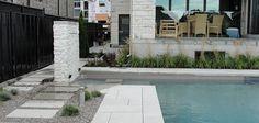 Aménagement paysager moderne à faible entretien avec piscine - Montreal Outdoor Living