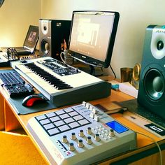 Johnny Willz Media Solutions. Audio production station.