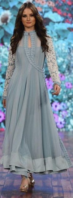 Salwar kameez tradition is accepted by Indian as well as Pakistani women. As a culture salwar kameez trend are always in fashion where the top designers always focus more on… Anarkali Dress, Pakistani Dresses, Indian Dresses, Indian Outfits, Anarkali Suits, White Anarkali, Fashion Designer, Indian Designer Wear, Designer Dresses