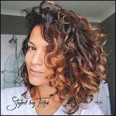 15  Bilder Kurze locken Frisuren für Damen - | Frisuren ... | Einfache Frisuren