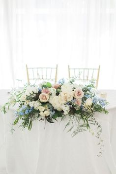 Sweetheart Table Sweetheart Table,Floral Inspiration Sweetheart Table Floral Display Related posts:Shabbies Stiefeletten 192020060 Braun Damen Shabbies Amsterdam Wedding theme colorsTop 10 Wedding Color Trends to Inspire in 2020 Wedding theme. Table Flower Arrangements, Wedding Flower Arrangements, Flower Centerpieces, Wedding Centerpieces, Wedding Decorations, Flower Table Decorations, Wedding Lanterns, Wedding Ideas, Wedding Details