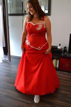 Robe de mariée corset rouge, Anne