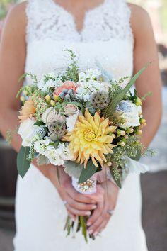 Rustic ranch wedding bouquet via http://limnandlovely.com | Photo by http://whitelinenphotographers.com Floral design by http://edgypetals.com