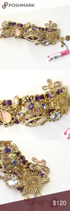 NWT Betsey Johnson Tzarina crown toggle bracelet Vintage New with tags Betsey Johnson Tzarina crown toggle bracelet. Never worn. Retired line. Beautifully encrusted. Accepting reasonable offers. 20% off bundles. No trades Betsey Johnson Jewelry Bracelets
