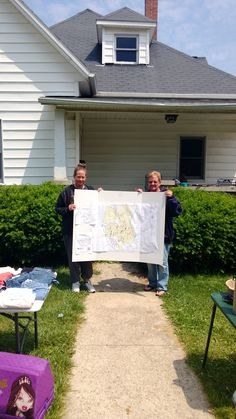 The travelling map on McKell Ave.