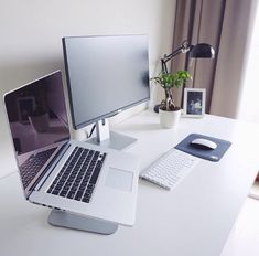 If you are one who works at home or remotely, then the presence of home office alias work space at home is a need worthy to consider. By having your own work space in your home, then you will feel … Pc Setup, Desk Setup, Room Setup, Mac Desk, Workspace Desk, Home Office Setup, Home Office Design, Office Table, Computer Setup