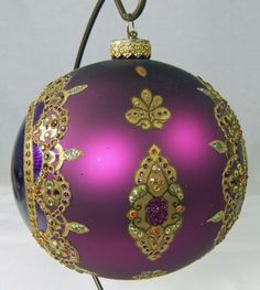Jay-Strongwater-Large-Round-Ornament-Swarovski-Crystals-Encrusted-Purple-Gold-6