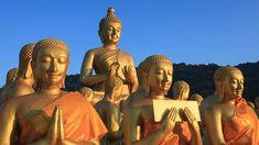 ストレスや憂鬱は、現代人にはつきものです。欲や怒りを刺激する情報はあふれているし、苦手な人づきあい、気の進まない仕事・残業も次々にやってきます。特に4月から変化が続いたあとの梅雨の時期は、いっそう心… Buddhist Art, Buddhism, Statue, Image, Buddha Art, Sculptures, Sculpture