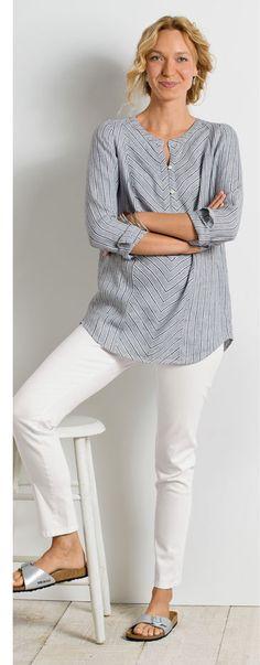 Stitch fix - no white pants -B/W tunic + white pants - jjill.com