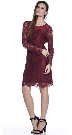 Vestido de Renda com Tule Vinho