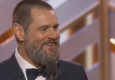 The audience chuckled along with his honest rant, during the Golden Globes 2016. During the Golden Globes 2016, comedian Jim Carrey
