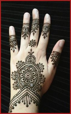 Latest Stylish Mehndi Designs For Girls