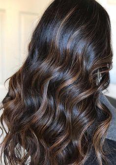 Cabello Color Chocolate, Hair Inspo, Hair Inspiration, Balyage Hair, Beautiful Long Hair, Wavy Hair, Updos, Hair Color, Glamour