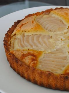 Мммм... мммм... мммм... У меня появился новый любимый классический французский десерт! Этот тарт с начинкой из мягких, сочных, ароматных ...
