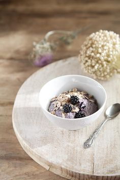 Yogur vegano de moras / Vegan blackberry yogurt