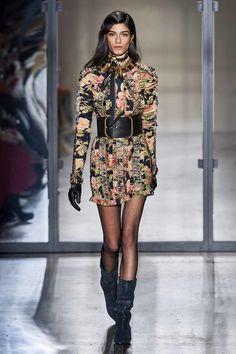 Zimmermann Fall Winter 2019 trends Runway coverage Ready To Wear Vogue Dark Florals