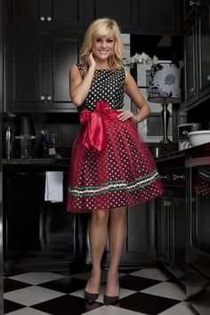 Haute Hostess Aprons by Elizabeth Scokin | Give Me Sugar - McKenzie