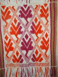 UN LUGAR DE TELAR WITRALWE Inkle Weaving, Inkle Loom, Hand Weaving, Band, Ikat, Bohemian Rug, Textiles, Ecuador, Weave