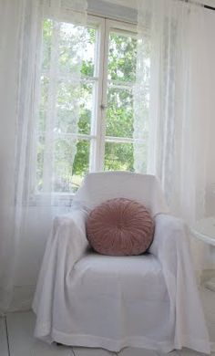 1000 images about livingroom on pinterest white lace curtains ikea and sofas. Black Bedroom Furniture Sets. Home Design Ideas