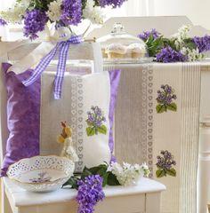 Wenn die kleinen Veilchen wieder blühen ... Design : Gerlinde Gebert Shop: www.gebert-handarbeiten.de