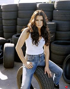 Danica Patrick in white shirt & blue Jean pants Sue Patrick, Danica Patrick, Black Leather Pencil Skirt, Redneck Girl, Hot Brunette, Athletic Women, Up Girl, Female Athletes, Woman Crush